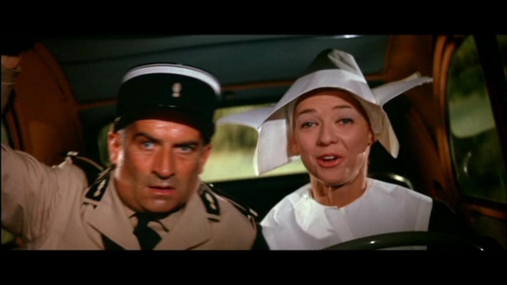 la 2cv dans les gendarmes de st tropez