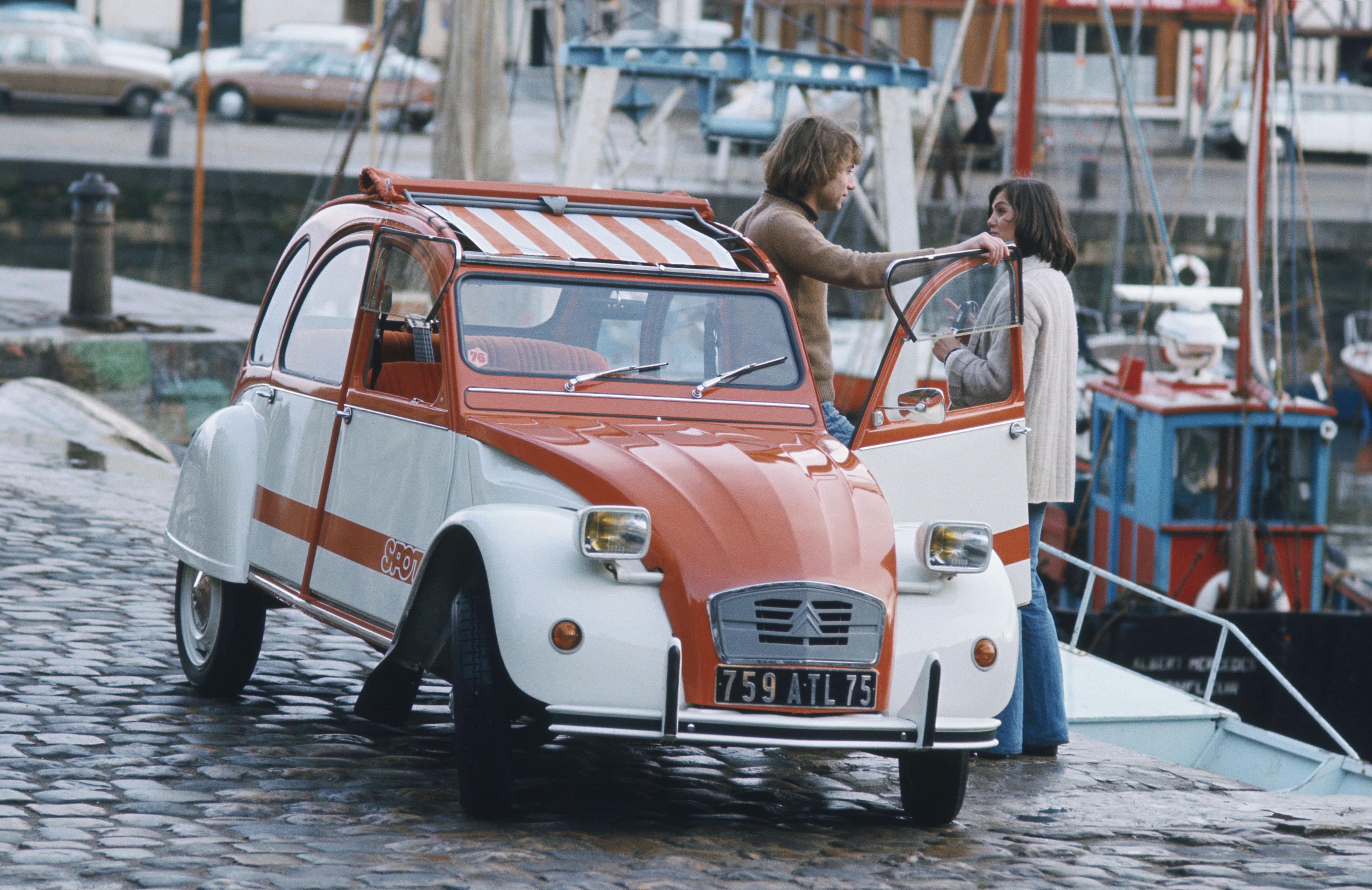 Immagini della brochure Citroën 2CV Spot - Immagine da 2cv-legende.com