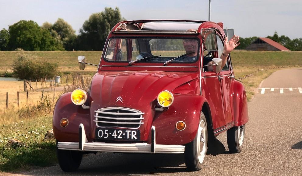 2cv 6 citroen rouge 1972