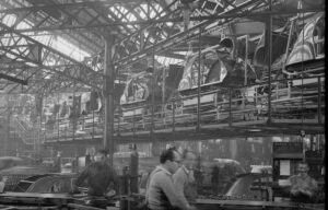 Chaîne montage de 2CV Levallois 1954